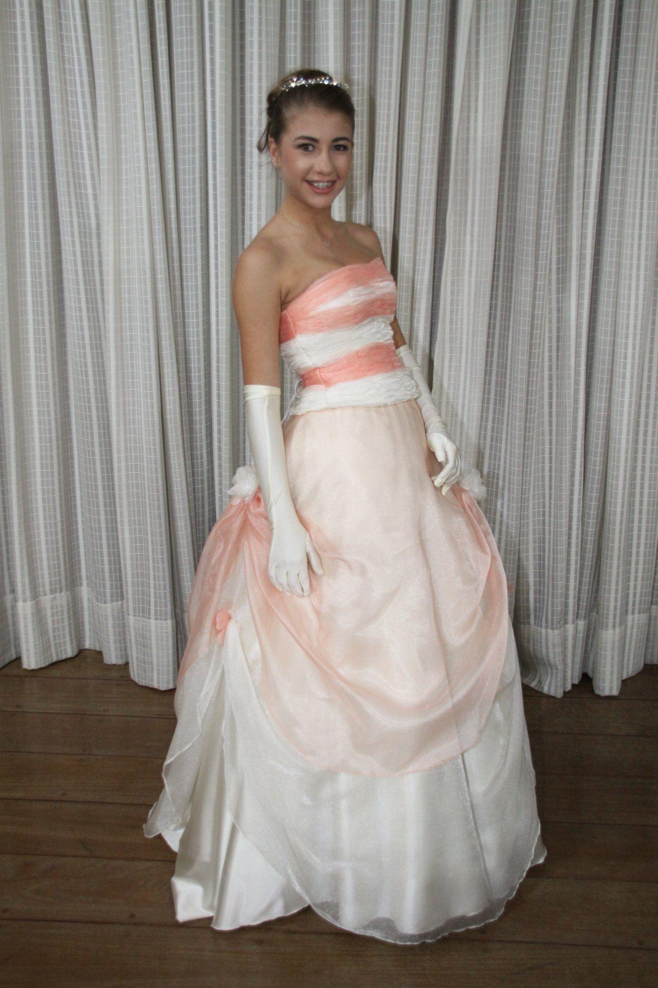 Vestido de Debutante Marfim e Ouro - 1 - Hipnose Alta Costura e Spa para Noivas e Noivos - Campinas - SP Vestido de Debutante, Vestido de Debutante Marfim e Ouro, Hipnose Alta Costura