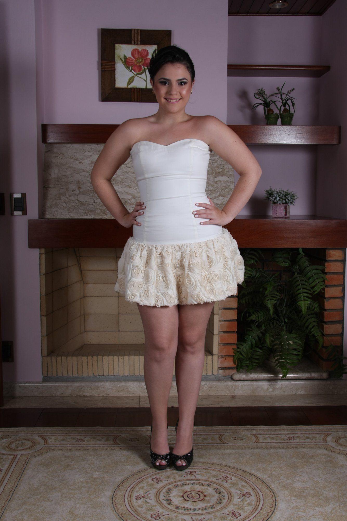 Vestido de Debutante Marfim e Ouro - 3 - Hipnose Alta Costura e Spa para Noivas e Noivos - Campinas - SP Vestido de Debutante, Vestido de Debutante Marfim e Ouro, Hipnose Alta Costura