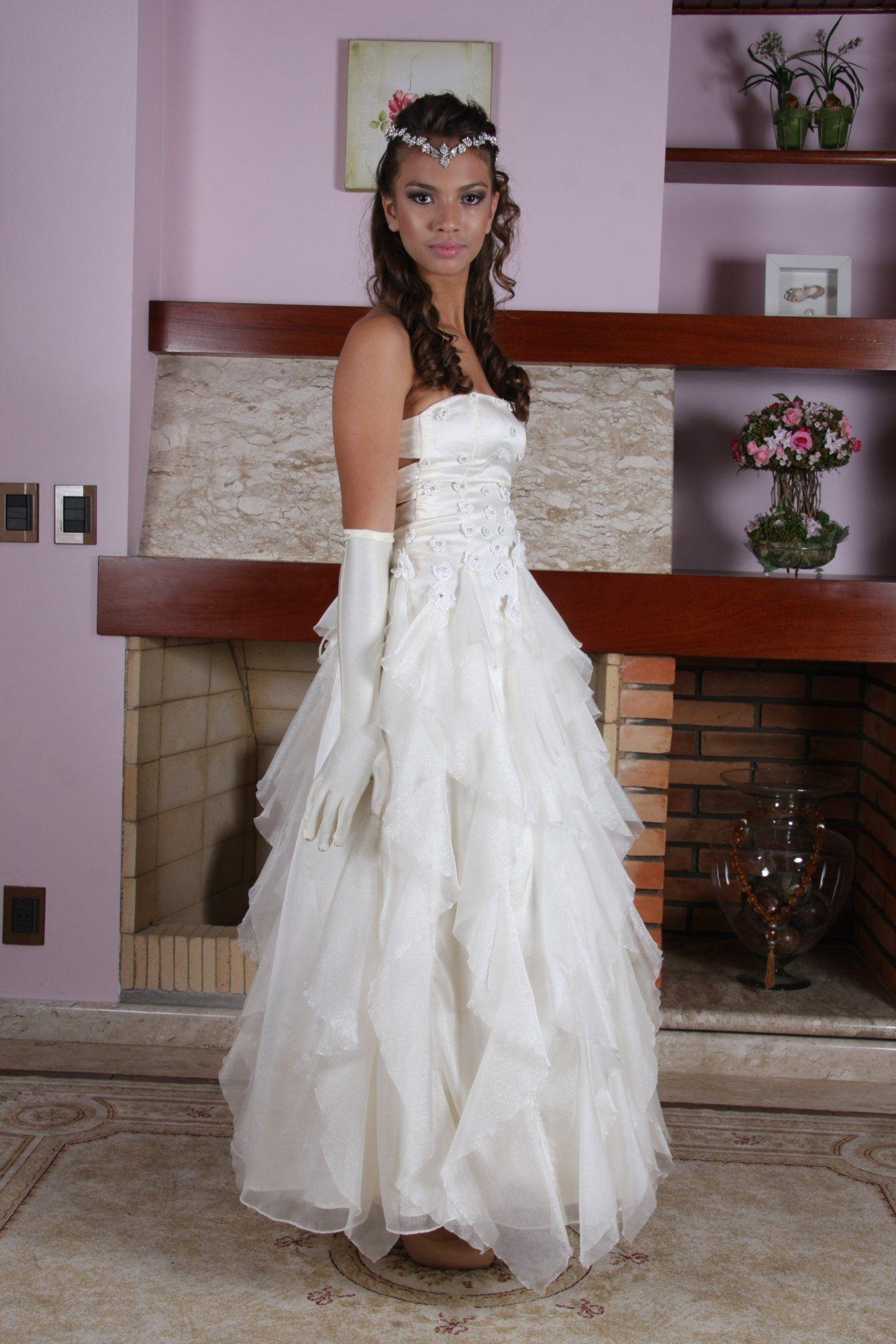 Vestido de Debutante Marfim e Ouro - 5 - Hipnose Alta Costura e Spa para Noivas e Noivos - Campinas - SP Vestido de Debutante, Vestido de Debutante Marfim e Ouro, Hipnose Alta Costura