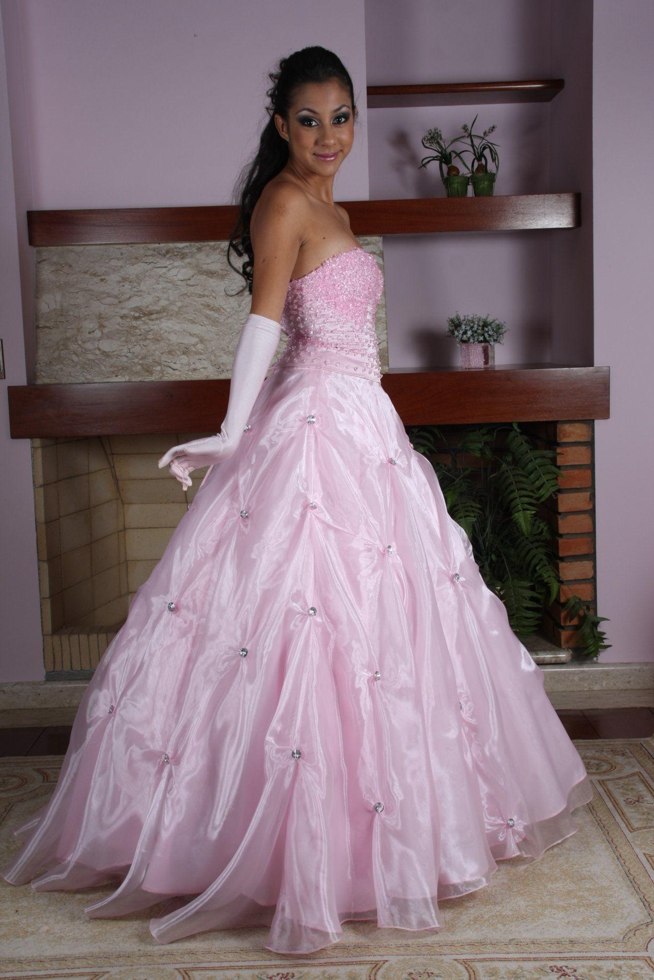 Vestido de Debutante Rosa - 5 - Hipnose Alta Costura e Spa para Noivas e Noivos - Campinas - SP Vestido de Debutante, Vestido de Debutante Rosa, Hipnose Alta Costura