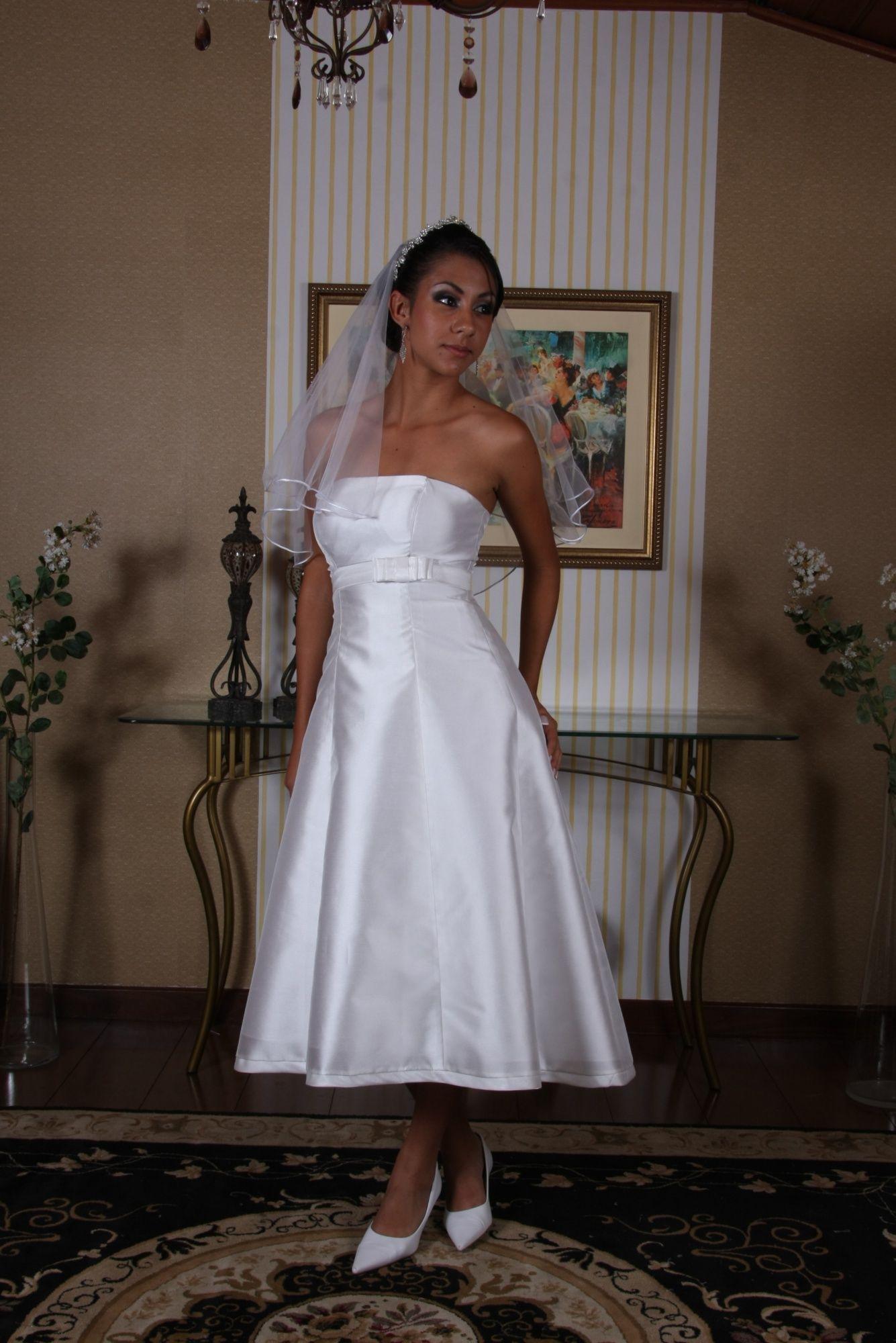 Vestido de Noiva Curto - 2 - Hipnose Alta Costura e Spa para Noivas e Noivos - Campinas - SP Vestido de Noiva, Vestido de Noiva Curto, Hipnose Alta Costura